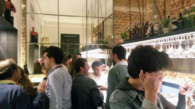 Zona de barra y tapas, La Raquetista Tusolovive Madrid