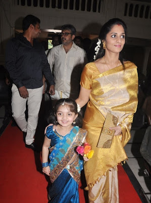 baby anoushka daughter actor ajith and salini