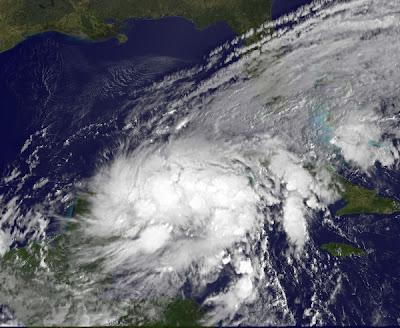 Cancún und Playa del Carmen, Yucatán, Mexiko: Sturmbedingungen möglich, Yucatán, Golf von Mexiko, Mexiko, Satellitenbild Satellitenbilder, Cozumel, Riviera Maya, Playa del Carmen, Cancún, Wettervorhersage Wetter, aktuell, Oktober, 2011, Hurrikansaison 2011,