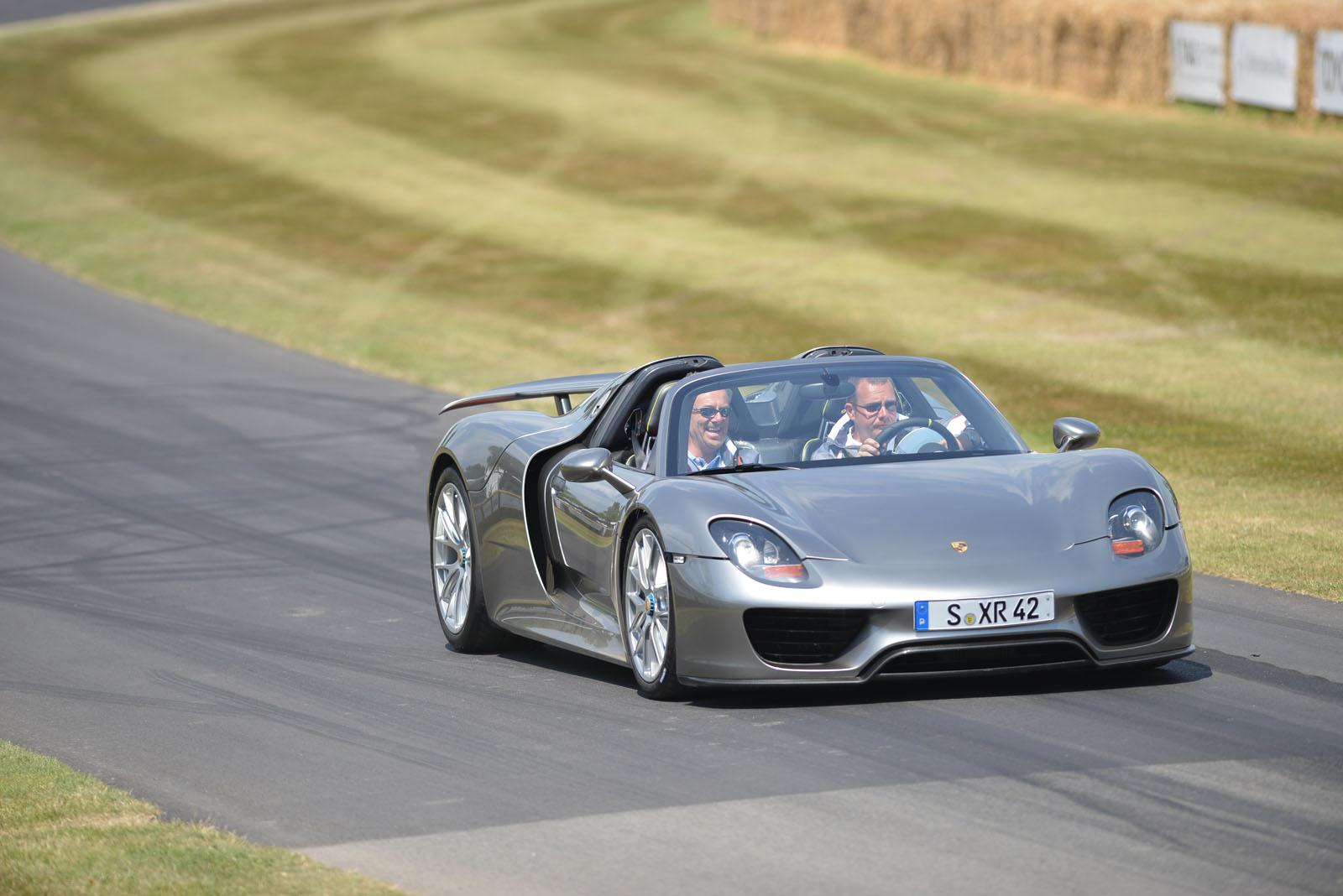 best car porsche 918 spyder goodwood debut. Black Bedroom Furniture Sets. Home Design Ideas