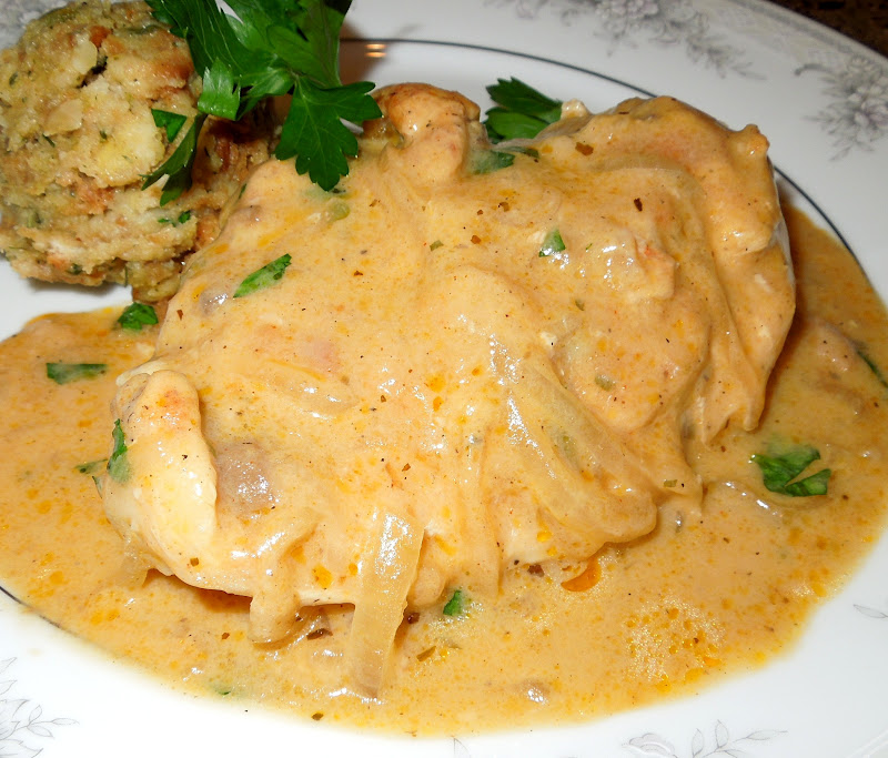 Smothered Chicken And Gravy - melissassouthernstylekitchen.com