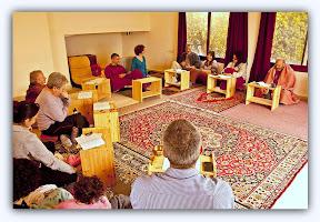 תרגול ולימוד בבית הדהרמה