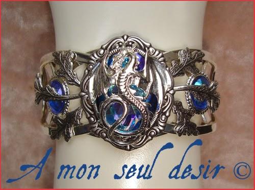 Bracelet médiéval dragon bleu nuit Daenerys targaryen fantasy medieval renaissance jewelry Smaug blue Night Dragon