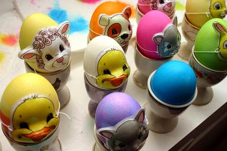 How To Make Beautiful Glittering Easter Eggs Easily