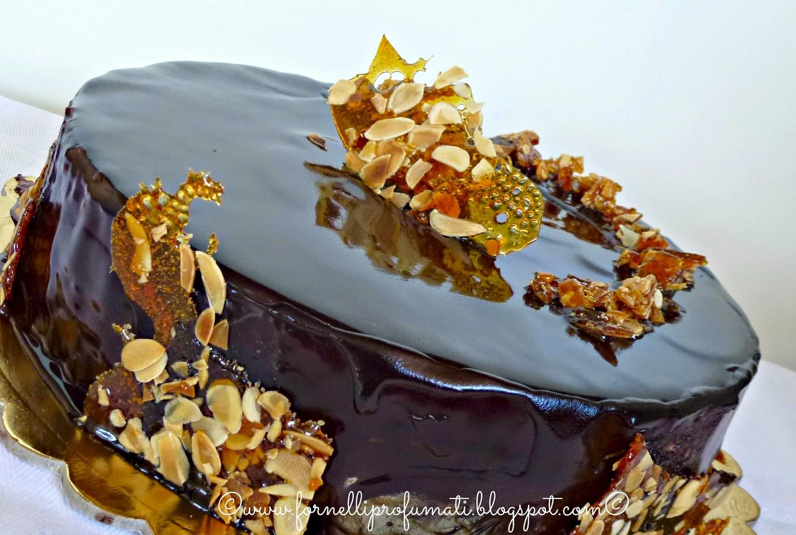 Torta al cioccolato namelaka e croccante fornelli - Decorazioni torte con glassa ...