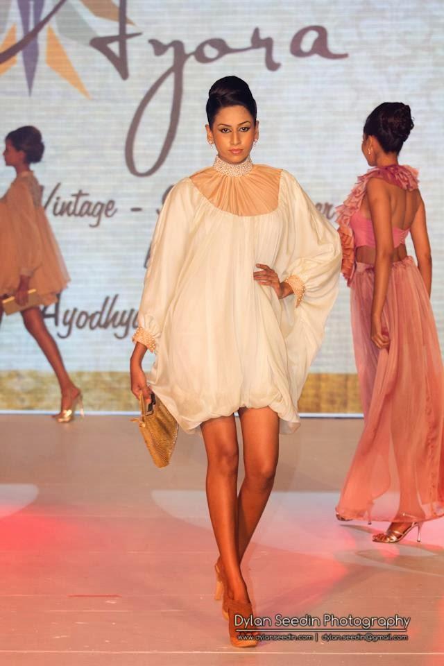 Amanda Silva mini dress