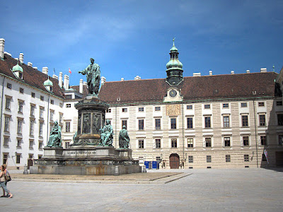 """Wien.Hofburg15"" by Georges Jansoone - Own work. Licensed under CC BY 2.5 via Wikimedia Commons - https://commons.wikimedia.org/wiki/File:Wien.Hofburg15.jpg#/media/File:Wien.Hofburg15.jpg"