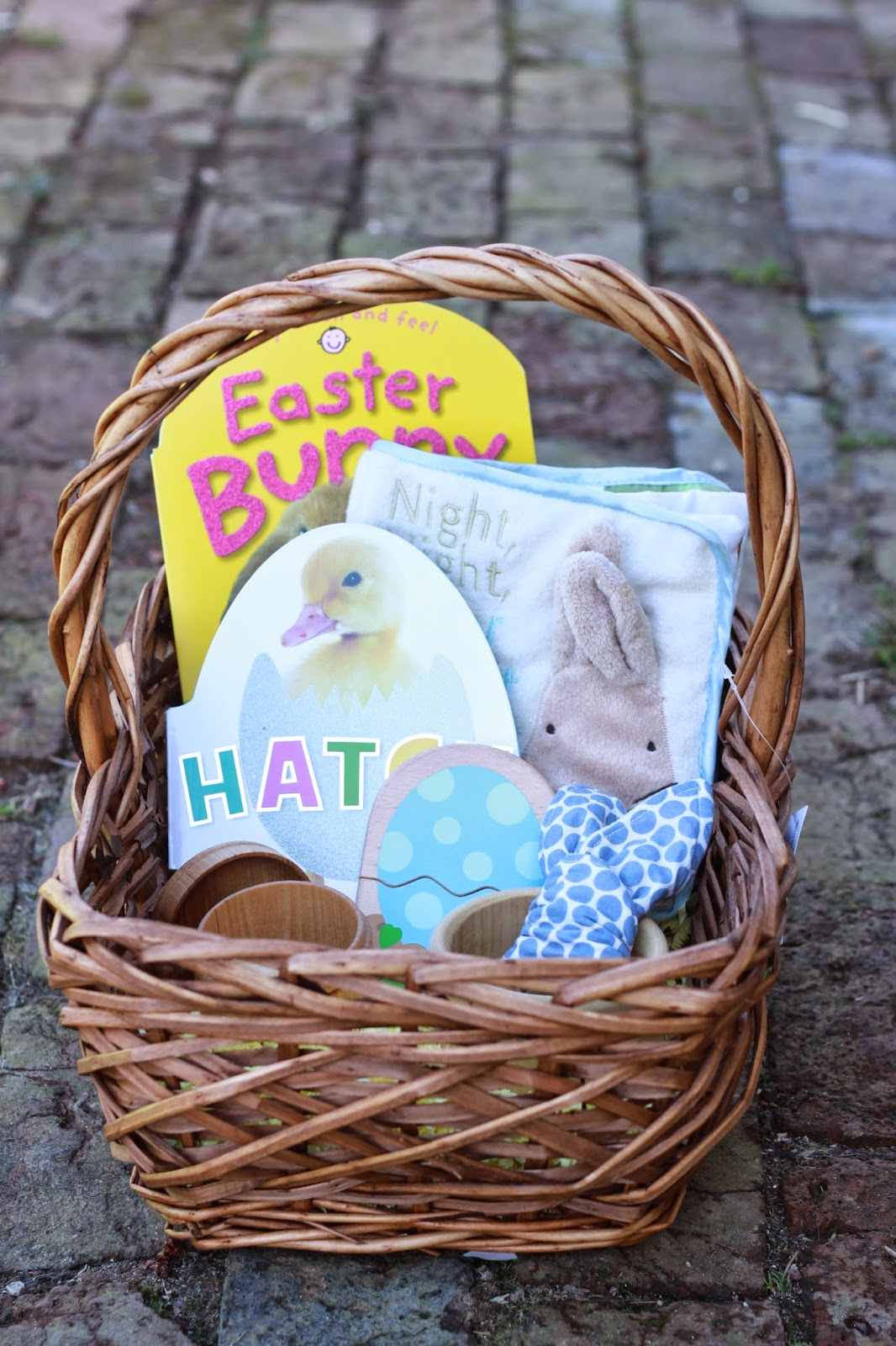 Life with the ladniers easter baskets 2015 3 year old and 6 months logans basket 6 months old negle Gallery