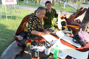 A calligraphy artist at 29/3 park