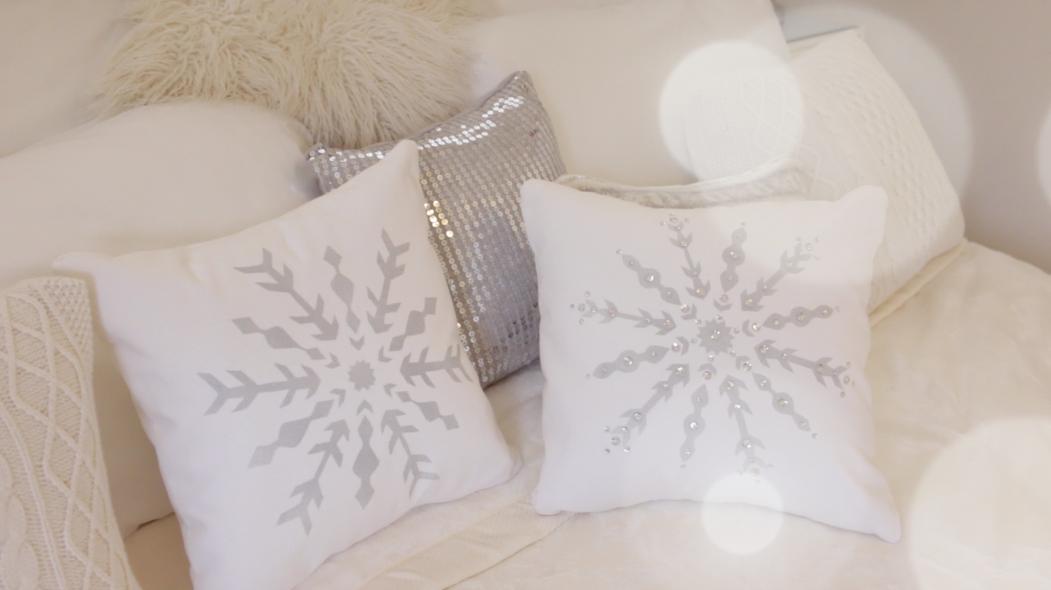 Diy Snowflake Pillow Modern Bohemian Lifestyle Bloglovin