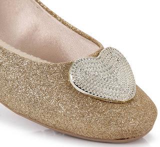 detalhe no Glitter da sapatilha