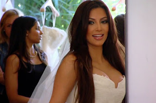 Kim-Kardashian-Wedding-Dress-smiles