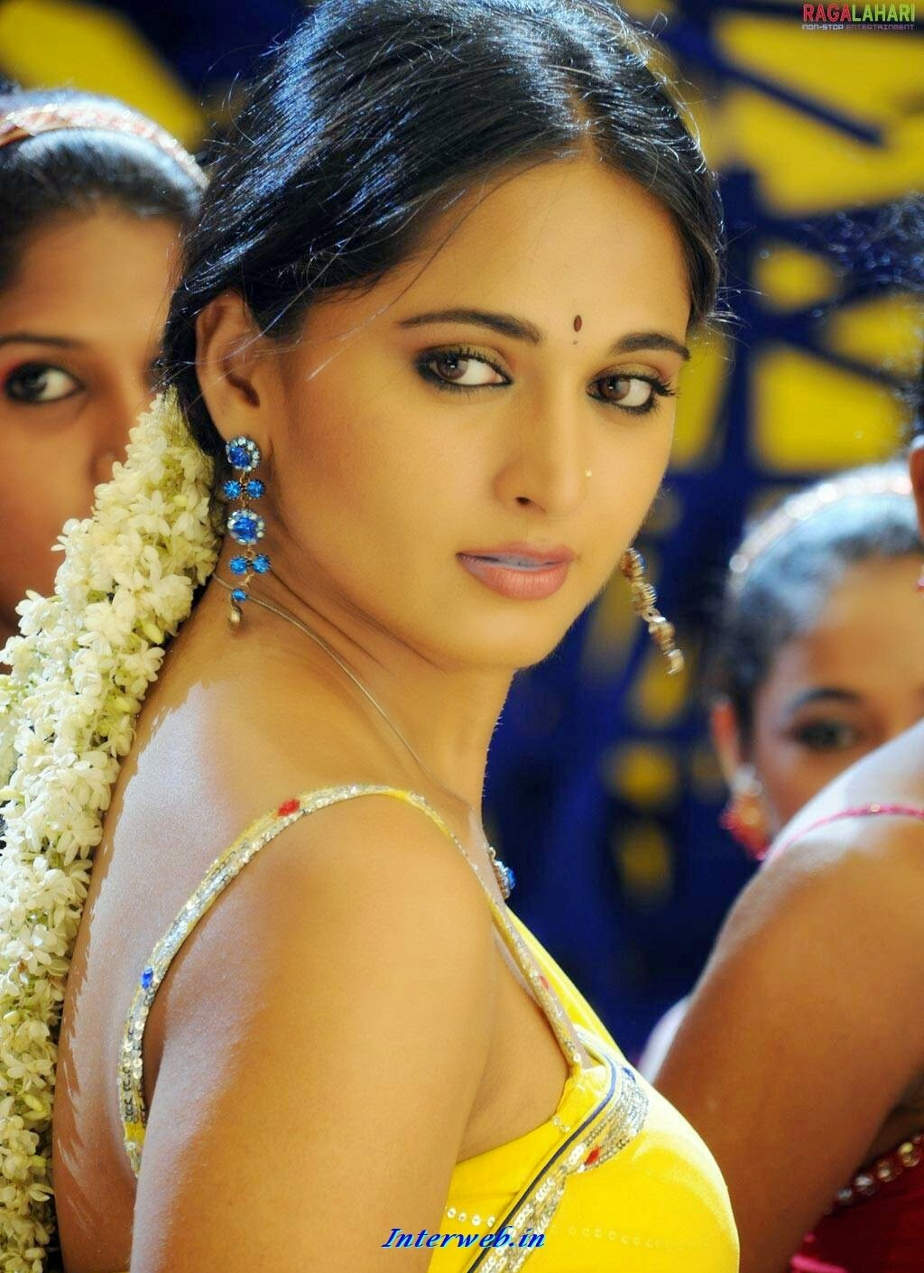 Telgu actress Anushka Shetty hot and unseen photos pics