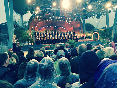 Sundsvalls Kammarkör på Sollidens scen, Allsång på Skansen 21 juli 2015. Foto: Anna Lindberg