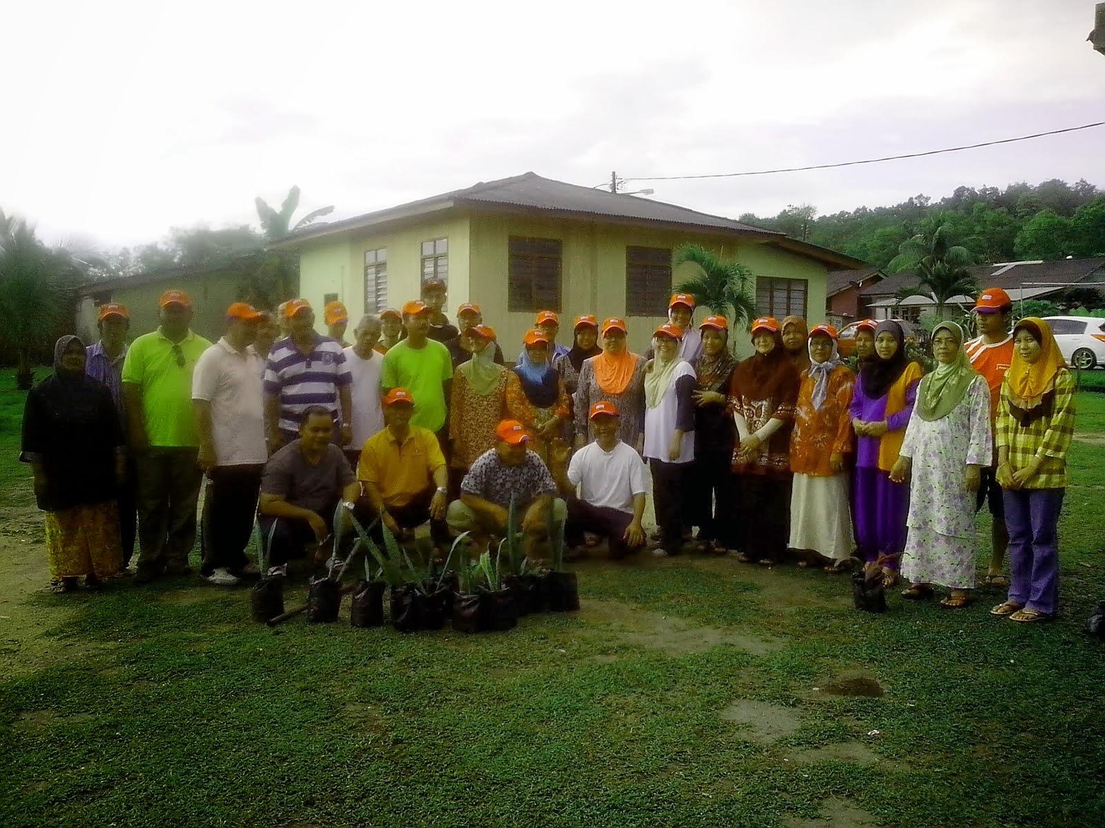 Aktiviti JKKK Medan Jaya bersama AADK Daerah Marang sempena menanam pokok seluruh Negara