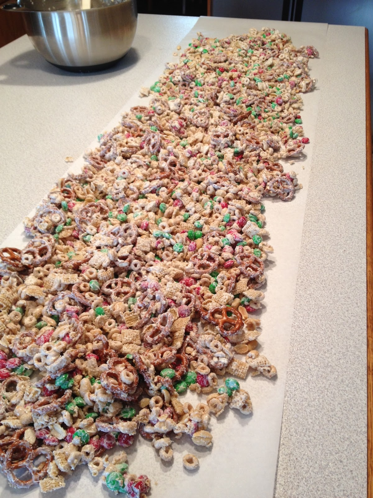 A Daily Dose of Davis: Delicious, EASY Holiday Snack Mix ...