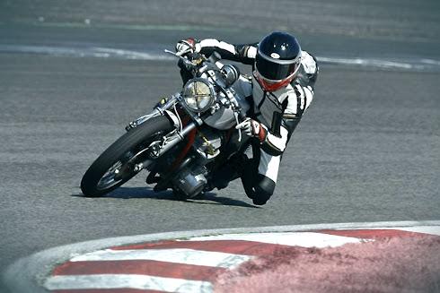 Fouriosa Inazuma Caf 233 Racer