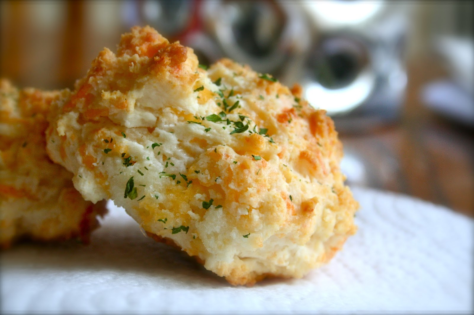 The Domestic Curator: Red Lobster's Cheddar Bay Biscuits
