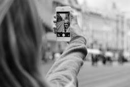 Kirim Foto Selfie, Istri Ketahuan Suami Sedang Selingkuh