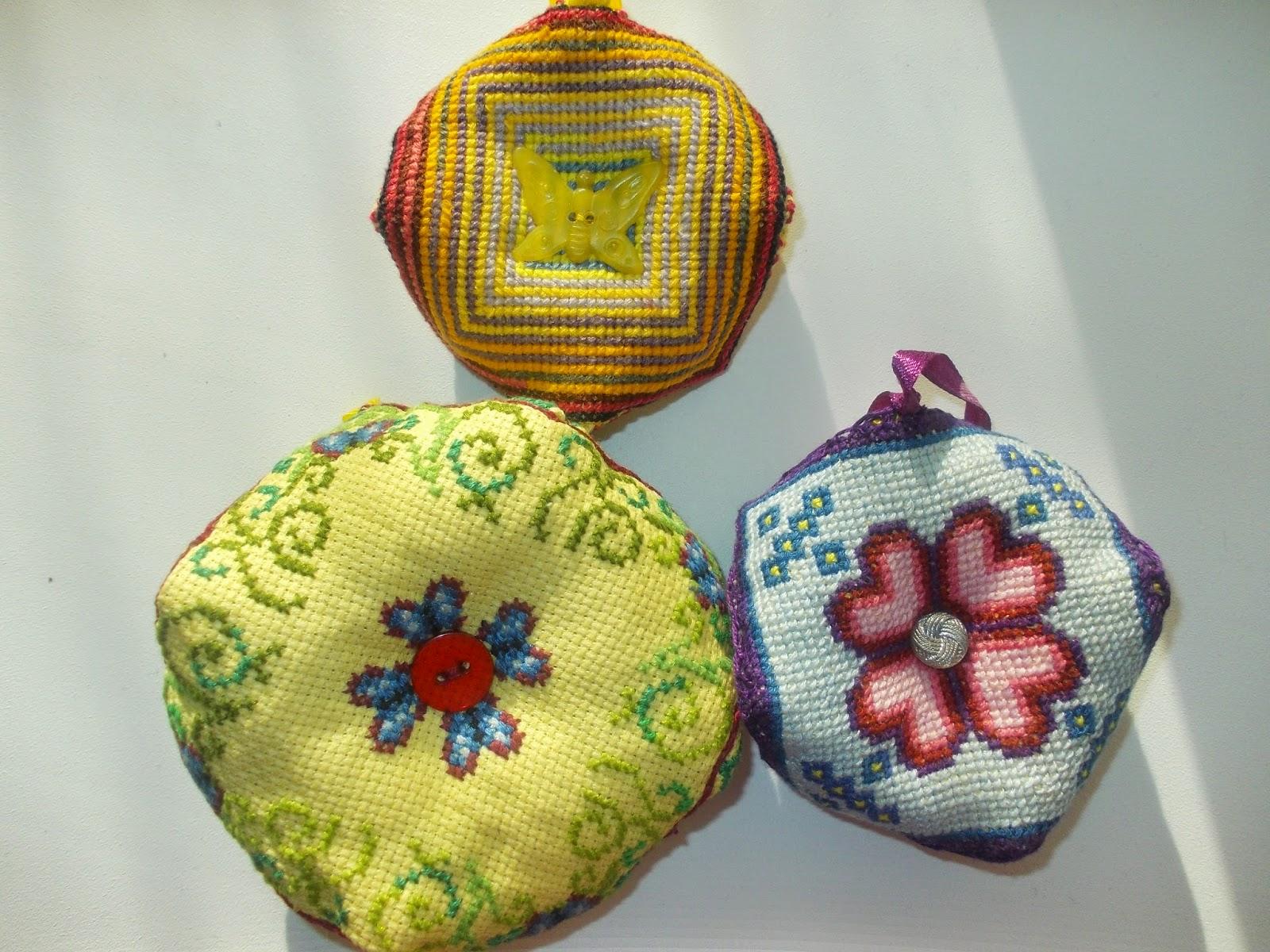 вышивка-бискорню