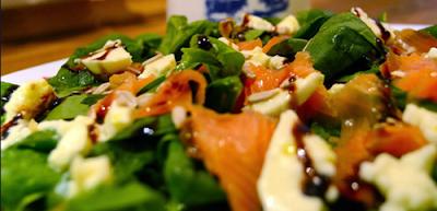 Ensalada de espinaca y salmon