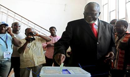 Guiné-Bissau: PR garante que tudo fará para concluir mandato de paz e estabilidade