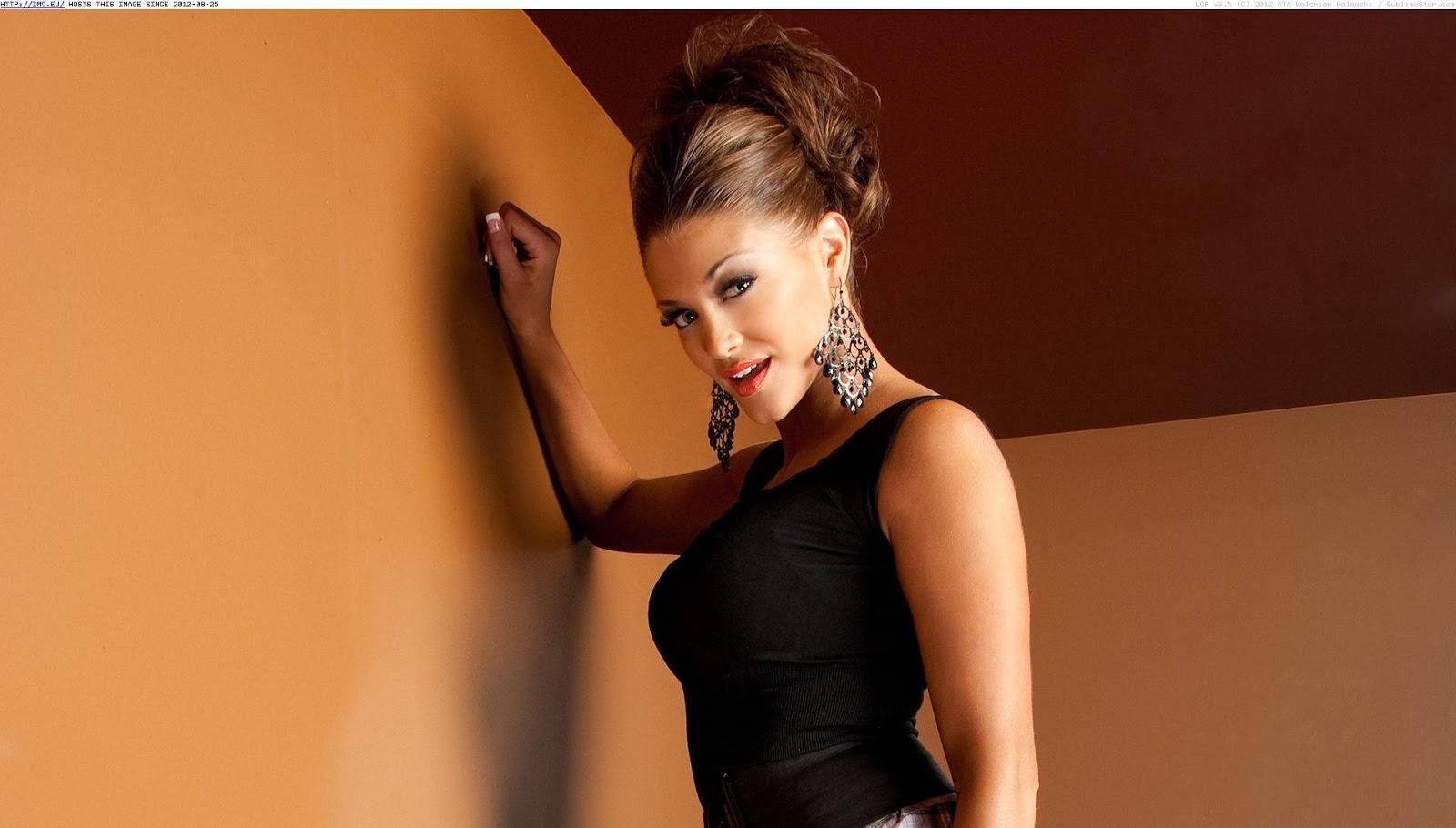 http://2.bp.blogspot.com/-c2BMBqNAXpo/ULBfrT9QmyI/AAAAAAAAFo8/KLQ00irVA10/s1600/WWE+Eve+Torres+hd+Wallpapers+2012_3.jpg