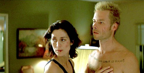 memento-guy-pearce-carrie-ann-moss
