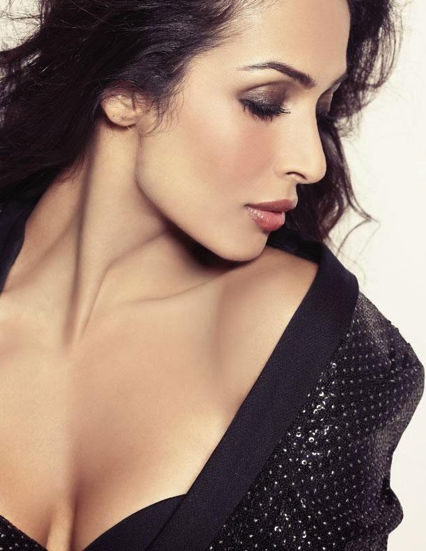 Malaika Arora Khan Hot HD In Black Top Cleavage Close-Up Pics