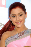 Ariana Grande 2011 VH1 Do Something Awards