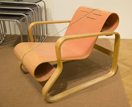 Alvar Aalto (Finnish 1898-1976) u201cPaimiou201d chair c. 1932. Laminated birch bent plywood. Collection of the Minneapolis Art Institute & DC AIGA: Alvar Aaltou0027s u201cPaimiou201d chair: a chair with just the ...