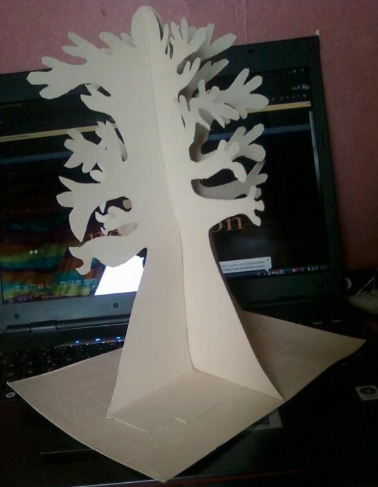 Rien ne se jette tout se custom arbre bijoux en boite - Fabriquer un arbre a bijoux ...