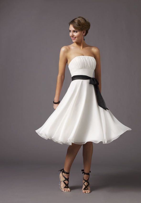 elegant white short bridesmaid dress