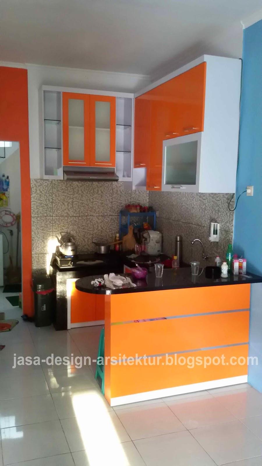 Desain Kitchen Set Warna Orange Kombinasi Putih