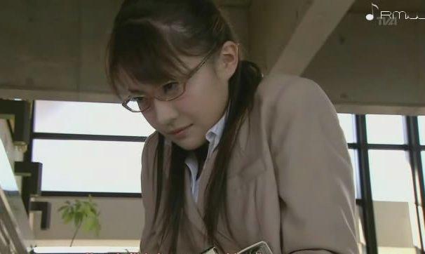 deaf-japanese-girls-jessica-jaymes-white-stockings