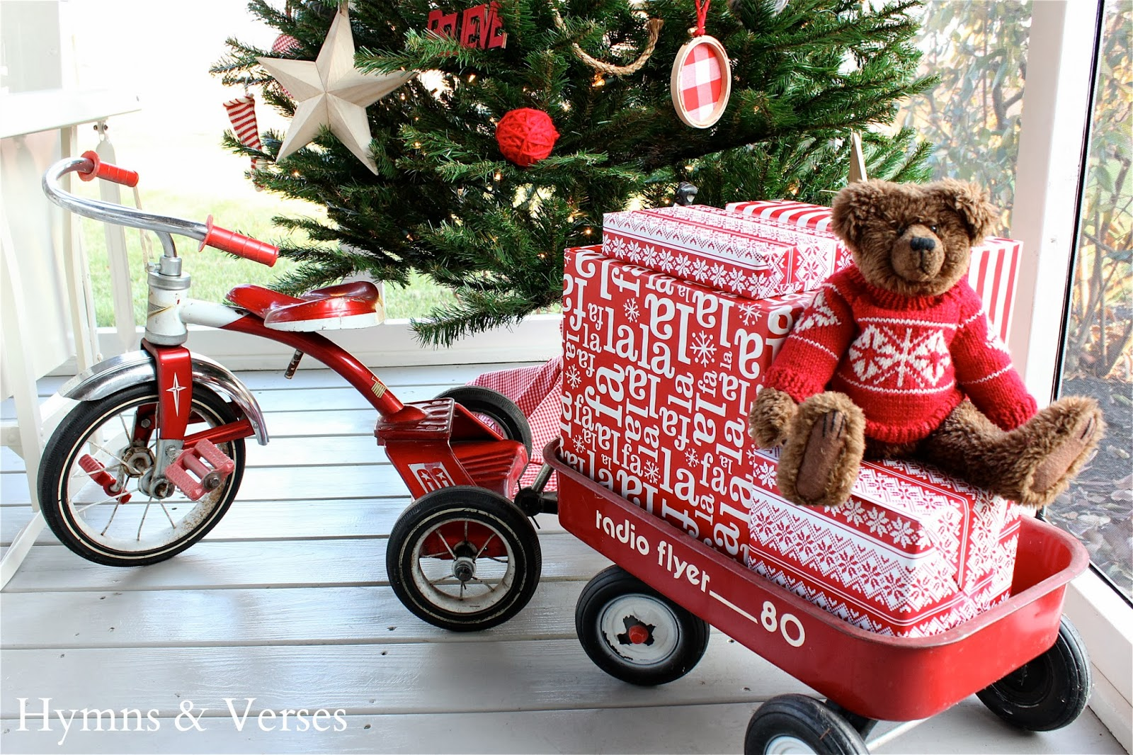 Christmas+red+tricycle+&+wagon