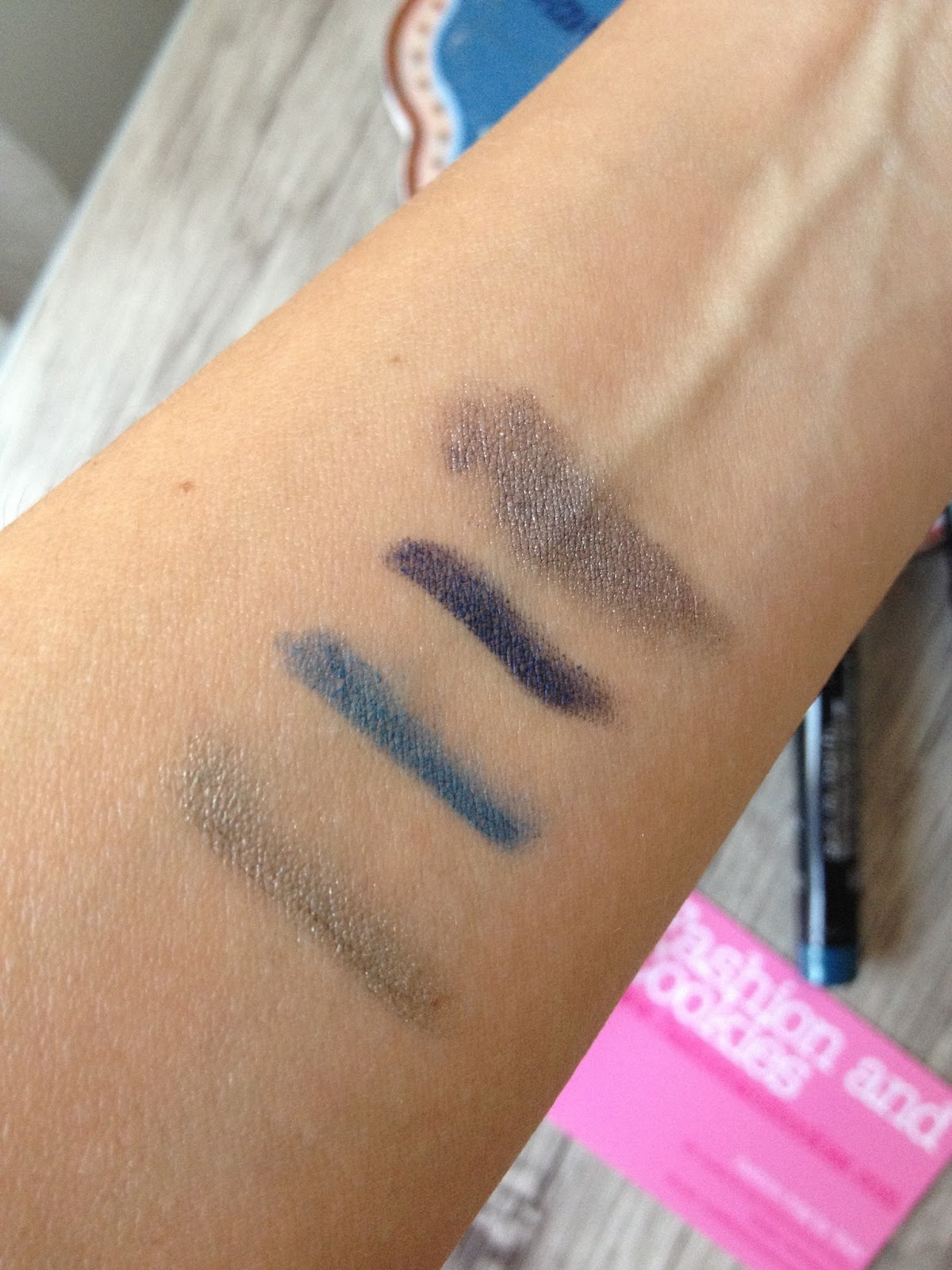 Lancome Ombre Hypnose Stylo swatches on Fashion and Cookies beauty blog