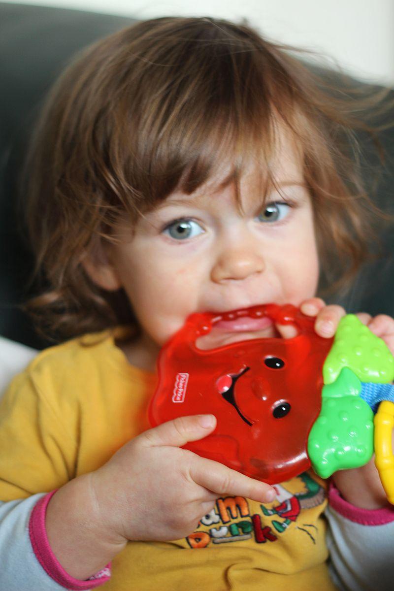 Kiedy dziecko ząbkuje