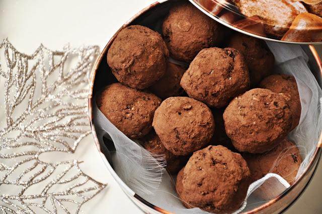 Trufle śliwkowo-kakaowe (z czekoladą)