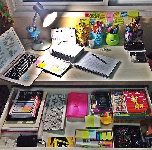 all she cooks ideias para organizar mesa de estudos. Black Bedroom Furniture Sets. Home Design Ideas