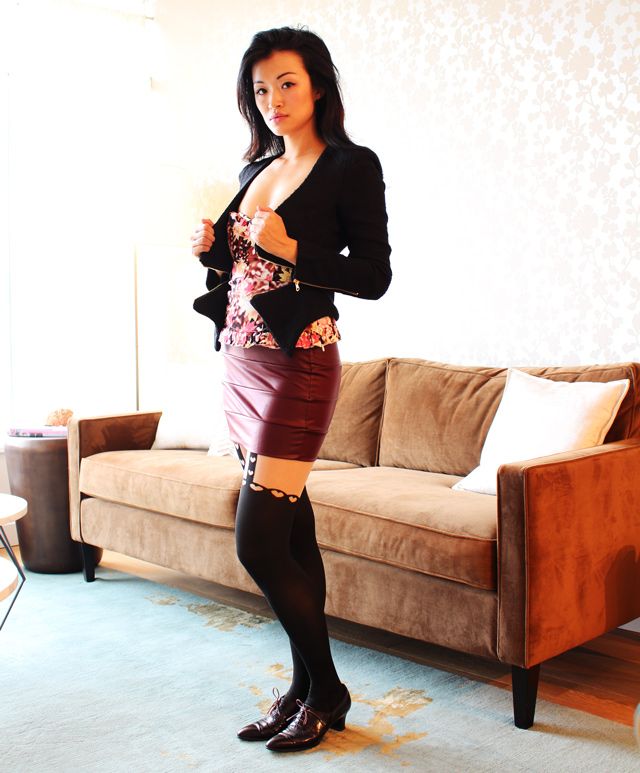 Layering for fall, vancouver fashion blogger jasmine zhu posing in vintage wearing floral corset, garter tights, wine color mini skirt, vintage oxford, black blazer