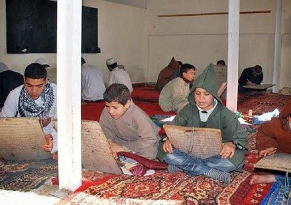 ربط التعليم التقليدي بالإرهاب وتدني المستوى في تكوين الطفل