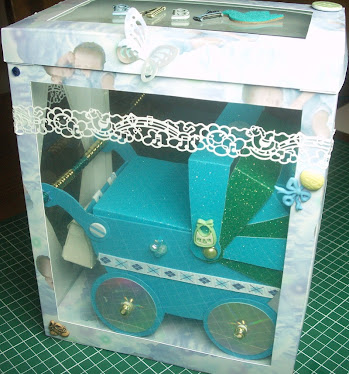 3D PRAM KEEPSAKE WITH DISPLAY BOX