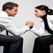 الرجال اقل قدرة من السيدات على إدارة مصاريف المنزل  - تحدى امرأة رجل تتحدى يتحدى
