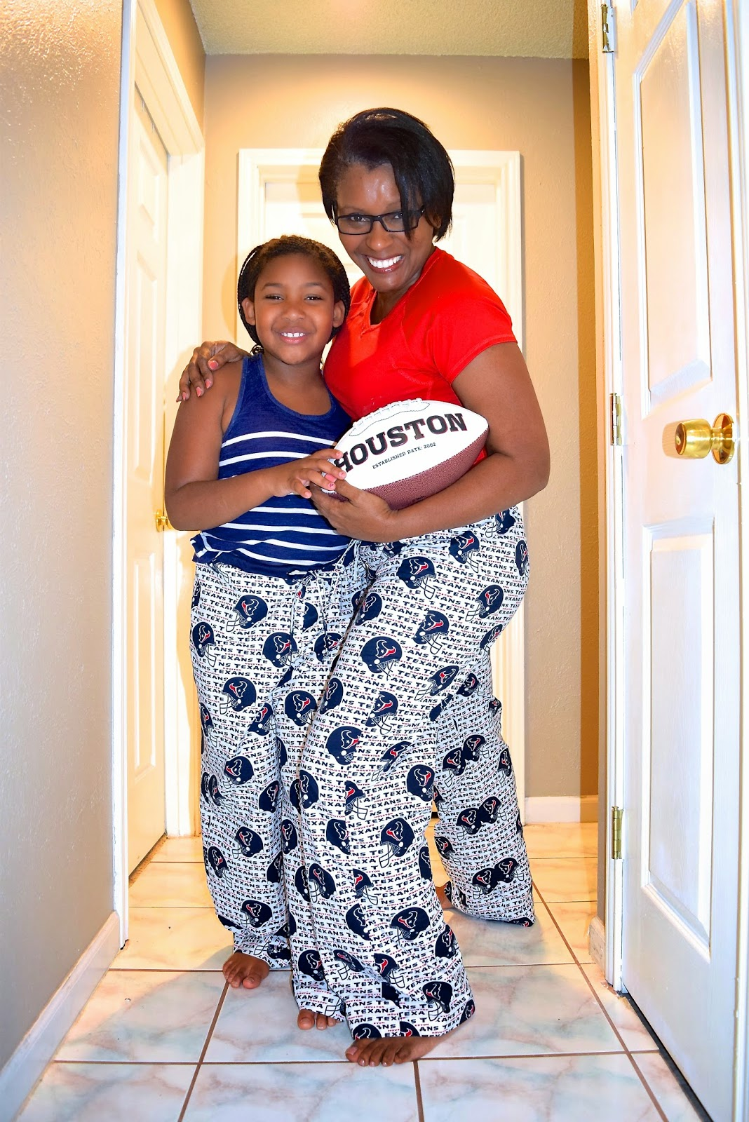 Sewing Texans Football lounge pants and pajamas on sewtofit.com