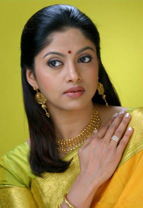 Indian actress old south indian actress nadhiya latest for Old indian actress photos