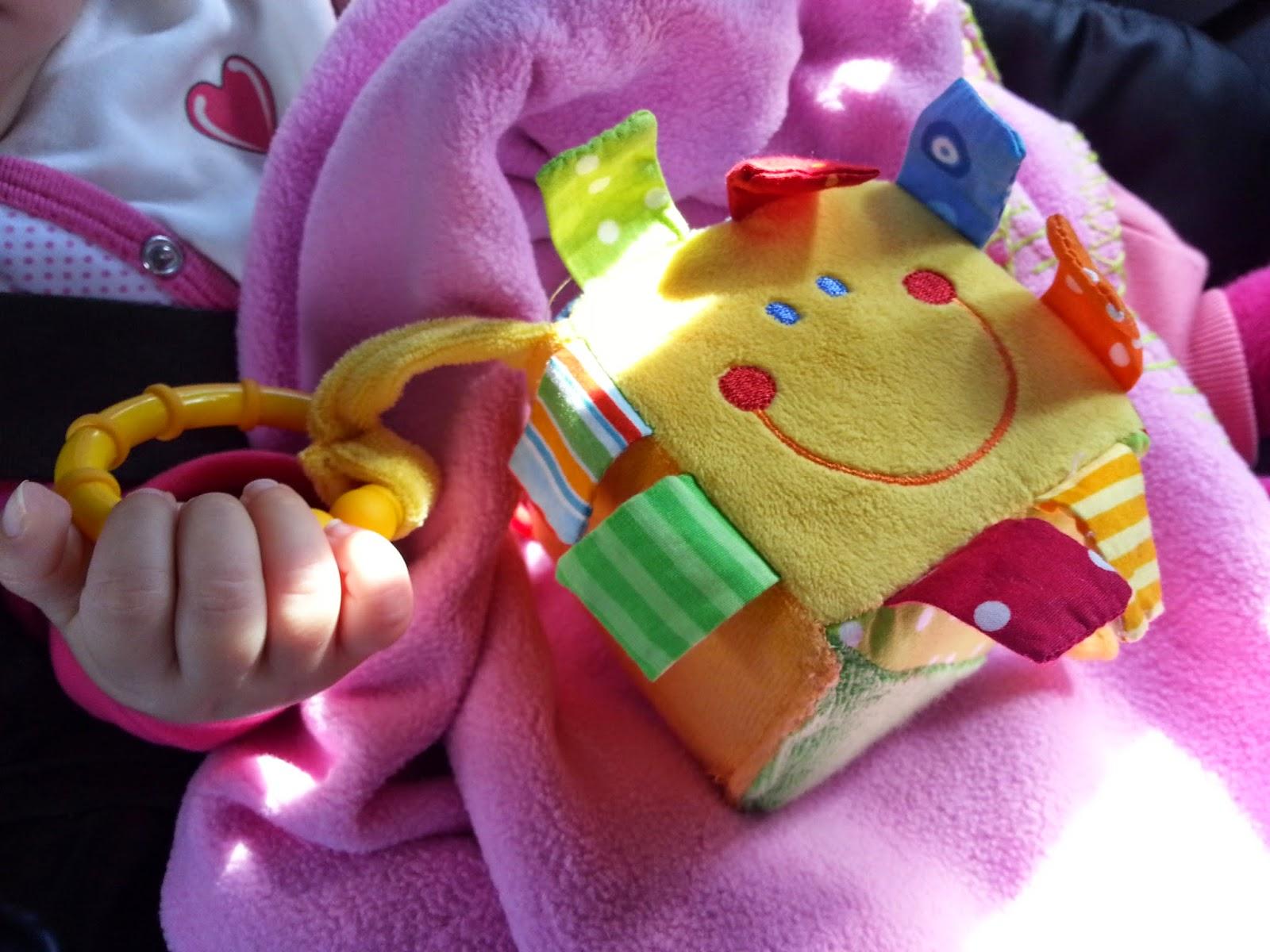 Bebeğin neden yatmadan ağlamaya başladığını görelim mi