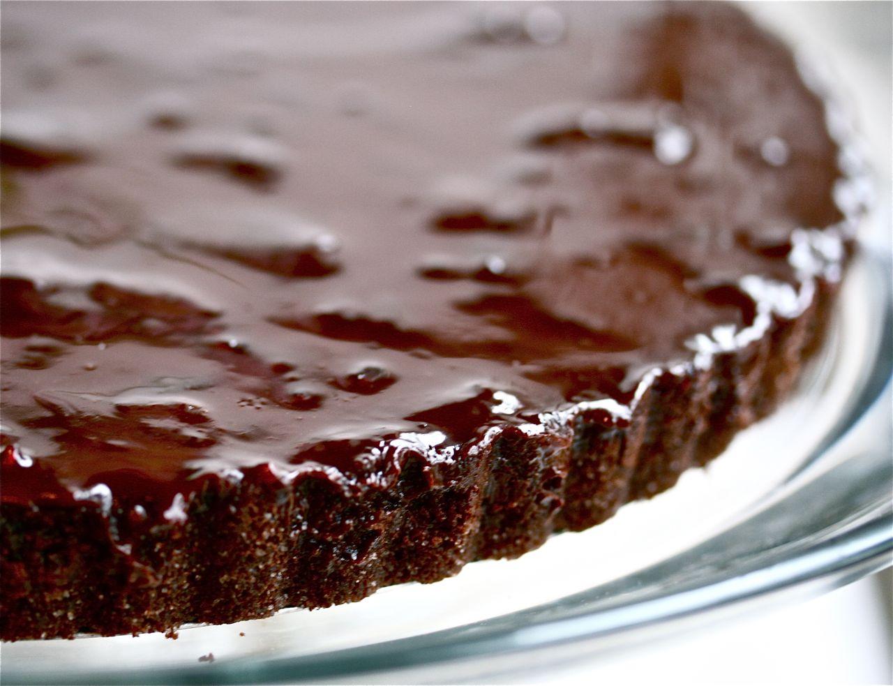 Быстрый пирог с шоколадом внутри рецепт