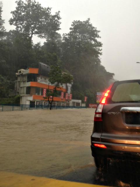 Gambar Banjir kilat Di Kuala Lumpur Dan Lembah Klang