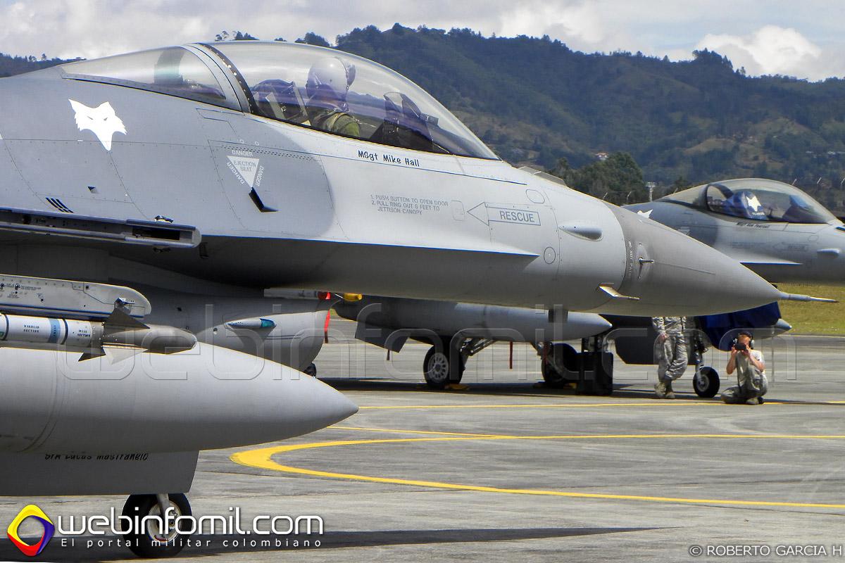 F-16 Fuerza aerea colombiana Kfir